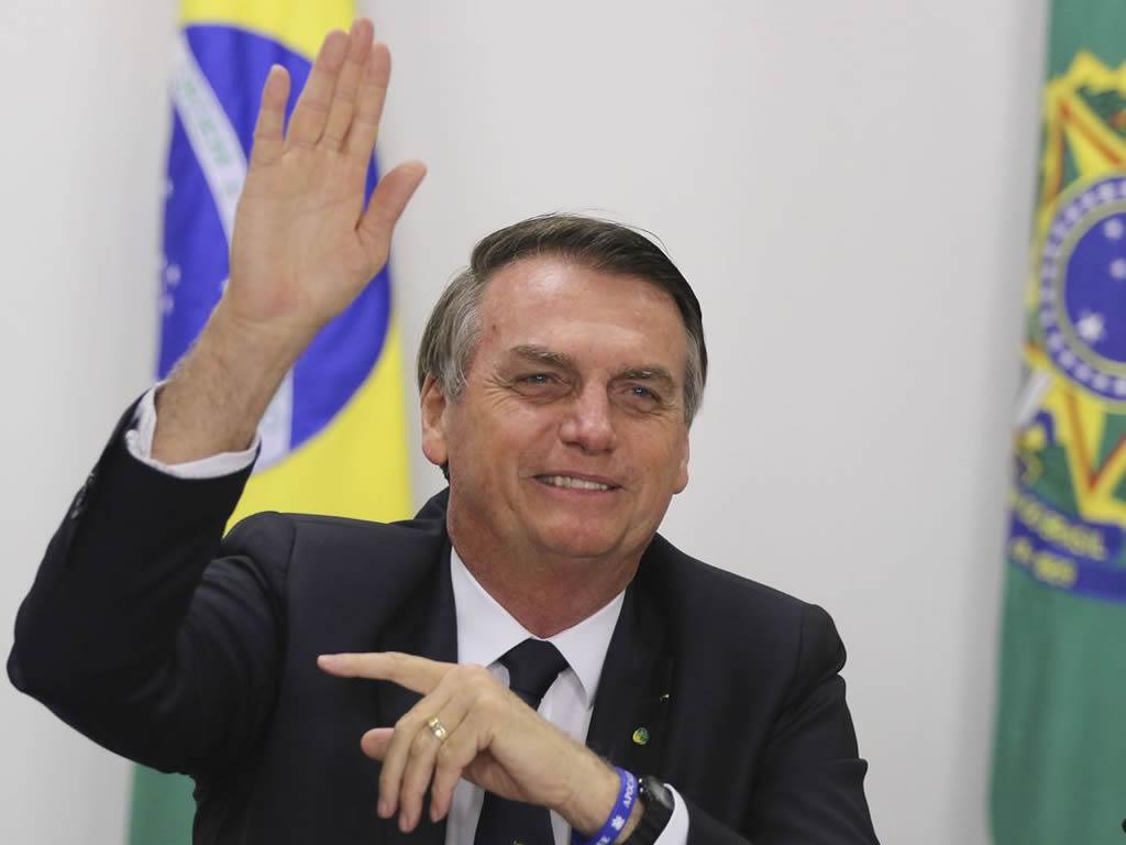 Bolsonaro diz que pode reduzir para 4% imposto sobre produtos de TI